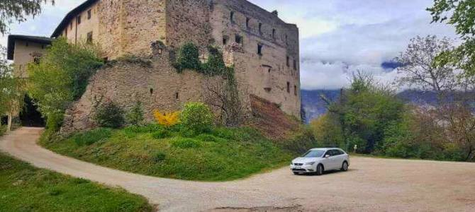 Pros and Cons of Renting a Car in Italy