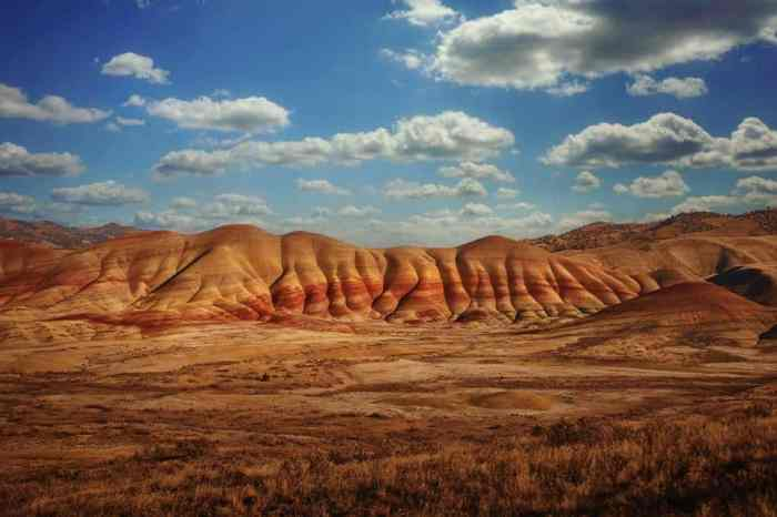 xperience The Painted Hills And Smith Rock For A Change Of Climate