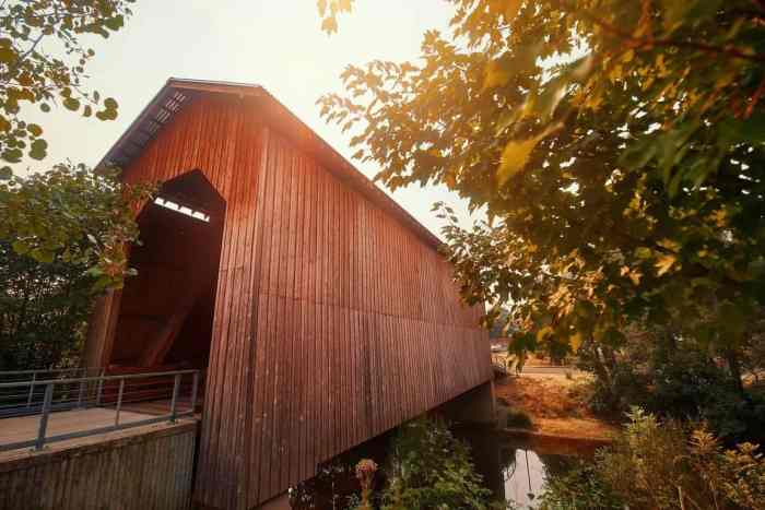 5 Things To Know About Covered Bridges In Oregon | What To Know About Oregon Covered Bridges