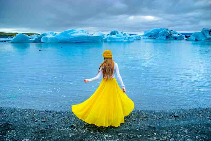 Visiting the Glacier Lagoon is one of the best options for touring Iceland! | Glacier lagoon tour in Iceland