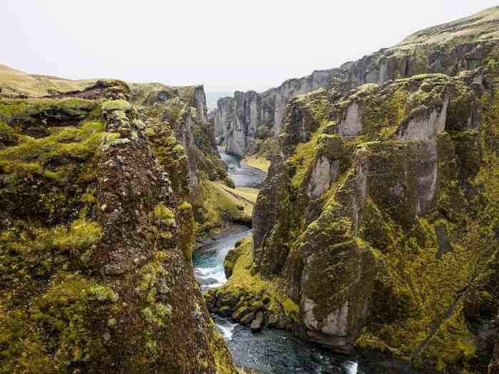 Fjaðrárgljúfur Canyon makes the list as one of the best hikes in Iceland for easy hikers