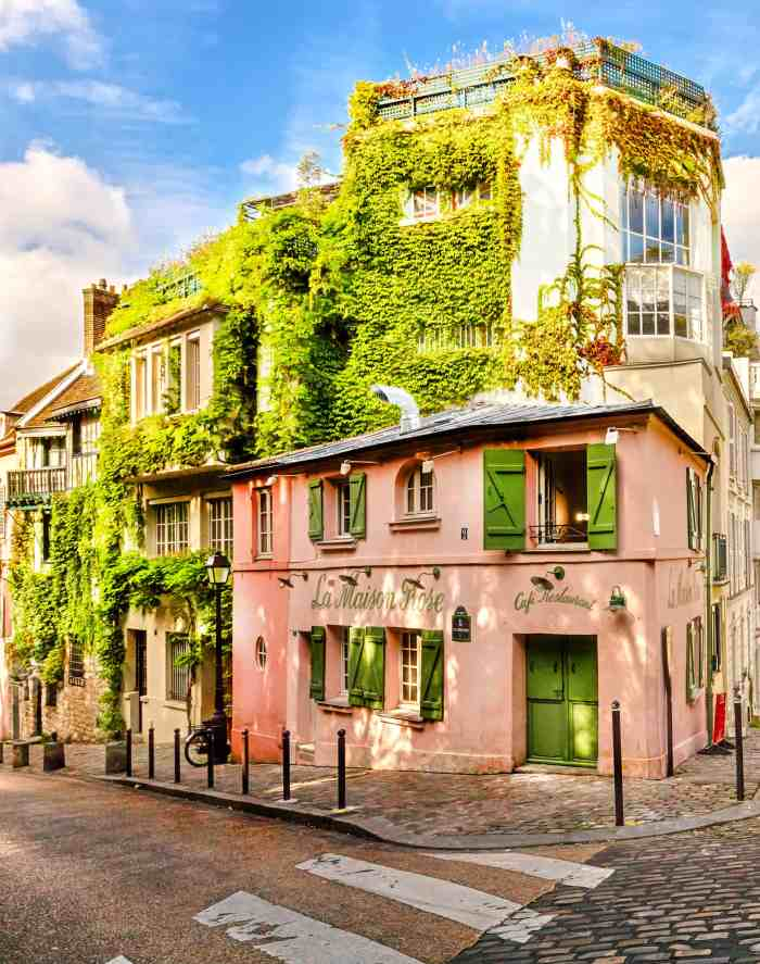 cute pink building in Paris | instagram locations in Paris | paris itinerary stops | things to do and see in Paris