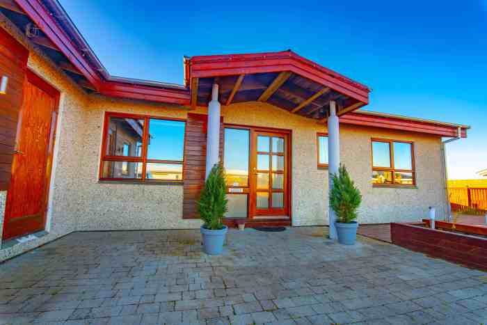 Best Airbnb Near The Blue Lagoon And Keflavik Airport: Vogar House