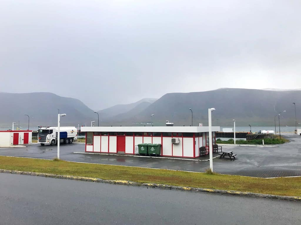 Gas Station Around Me >> 5 Things To Know About Gas Stations In Iceland Follow Me Away