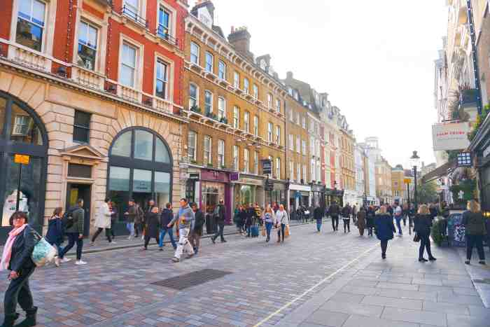 King Street is the best shopping street in london | cute streets in London