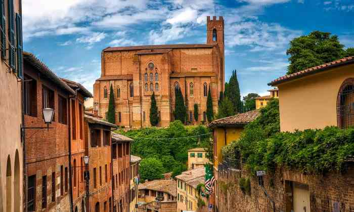 Siena Italy is one of the best places to visit on your Tuscan road trip