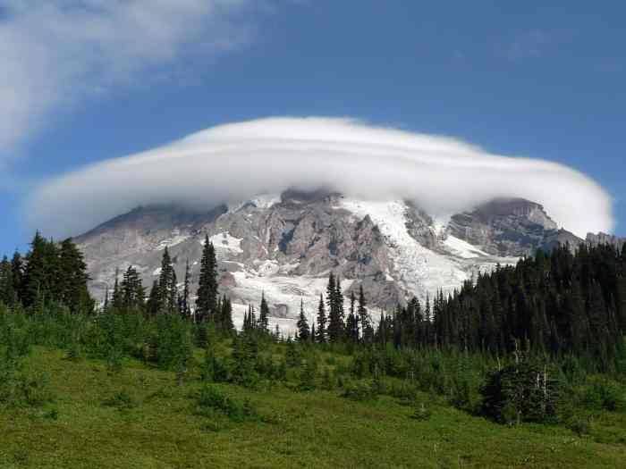 Mount rainier is an amazing west coast usa destination