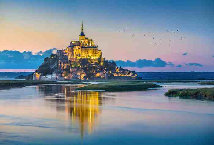 Mont St. Micheal Comes Straight Out Of Game Of Thrones On This Northern French Island