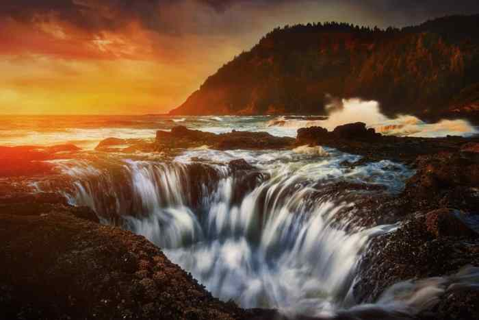 Thor's Well is a wonderful Oregon coast stop