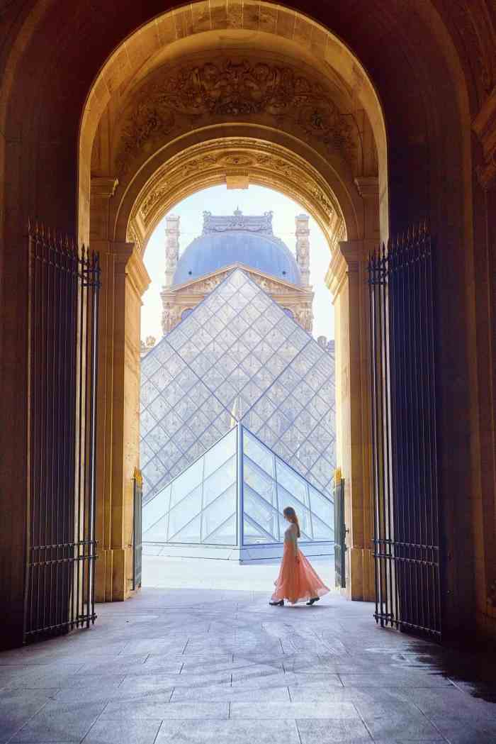 The Louvre Pyramids make the perfect backdrop for sunrise in Paris