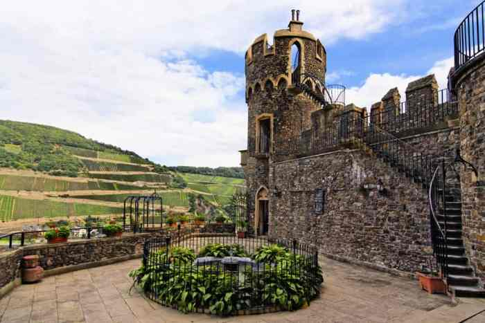 Like many castles in Germany, Burg Rheinstein has courtyards and a surrounding valley