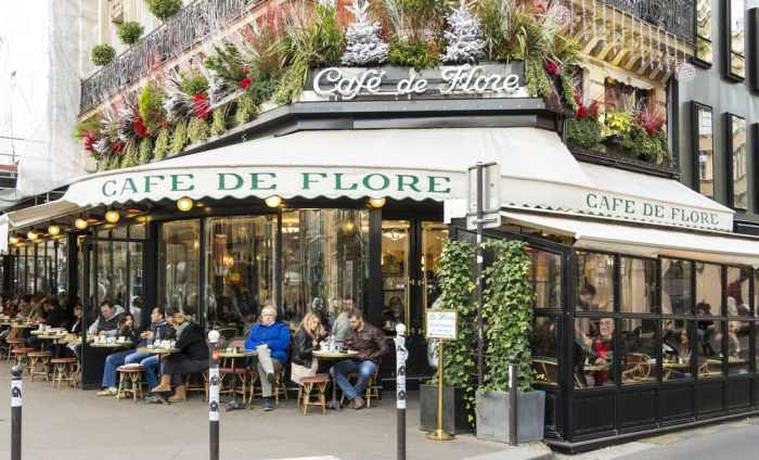 outside view of cafe de flor Parisian cafe