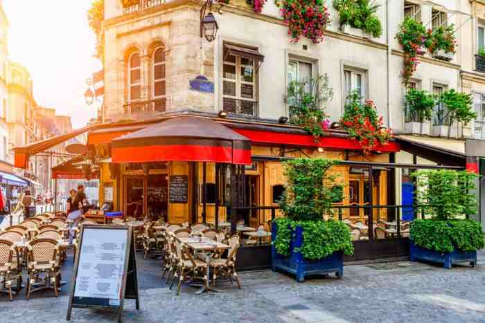 these are the prettiest and best cafes in Paris