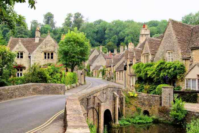 The Cotswolds Villages have buildings and views that will make you feel like you are in a storybook!