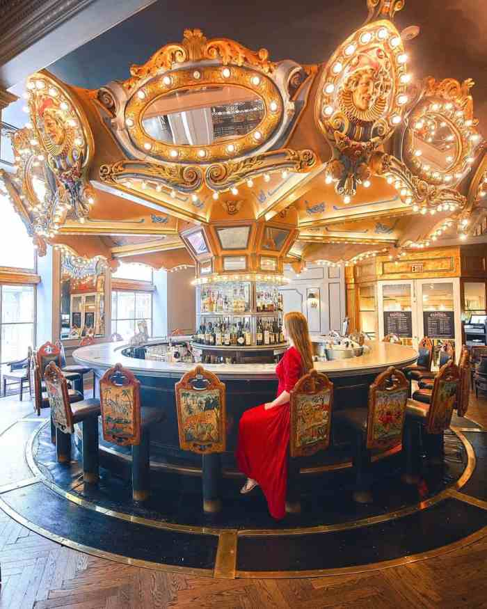 Visit the Carousel Bar On Your new orleans itinerary