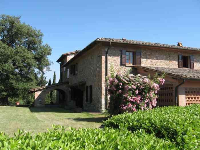 Villa Palazzo Bello Cetona can sleep up to 20 people