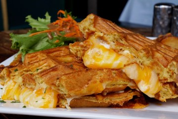 Follow My Gut, FMG, Danielle N. Salmon, foodie, blog, LA food blog, LA Foodie, food blog, where to eat in LA, West Hollywood, WeHo, WeHo Bistro, breakfast, brunch, mimosa, grilled cheese waffle, huevos rancheros, soup