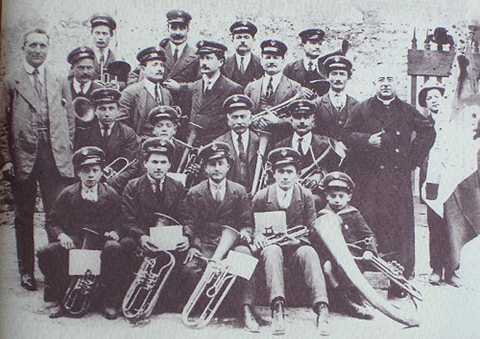 The band in 1913