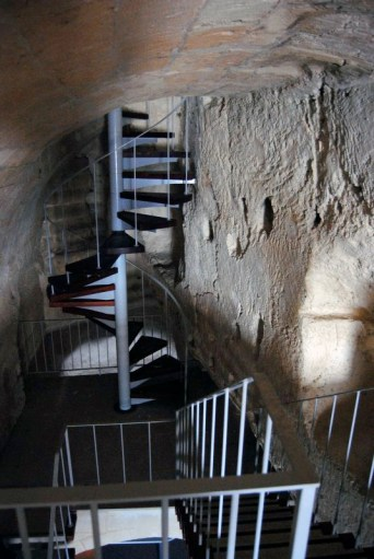 A2_stairs_access_second_level _7