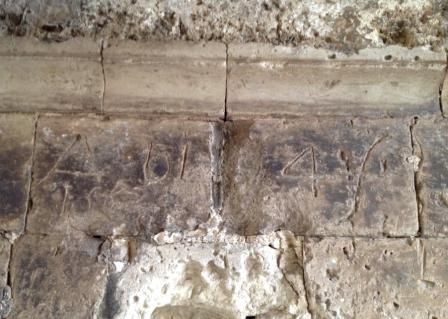 alcune delle date graffite (ph Daniele Maddalo)