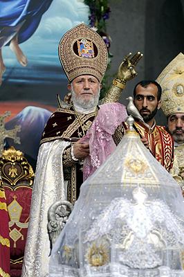Benedizione con la reliquia di San Gregorio Armeno