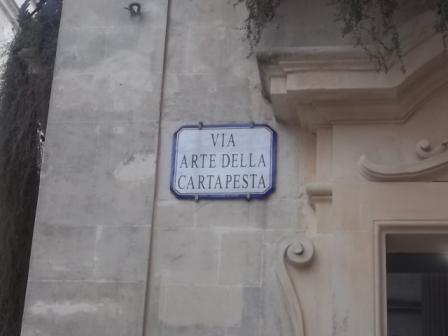 Lecce, centro storico, la via dell'abitazione che fu di Giuseppe Manzo