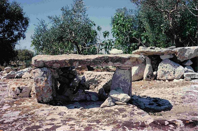 """Il complesso megalitico di contrada """"Plao"""", in feudo di Corigliano d'Otranto, e i suoi Dolmen """"Caroppo"""""""