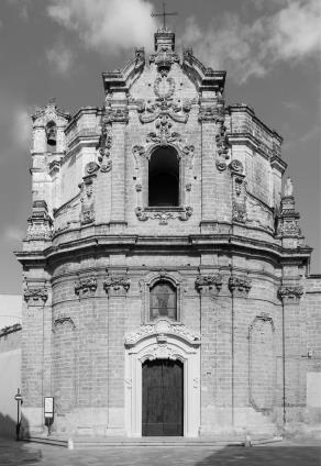 la facciata della chiesa (ph Paolo Giuri)