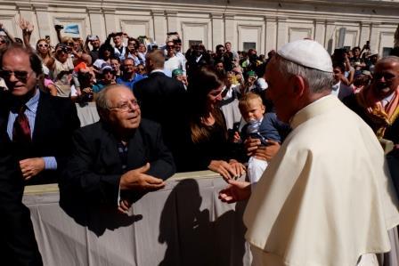 Vincenzo de Maglie saluta il Papa Francesco