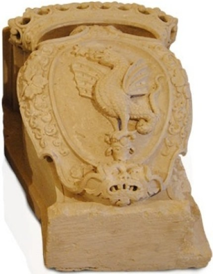 Fig. 8. Ugento, Museo diocesano, stemma della famiglia Trane
