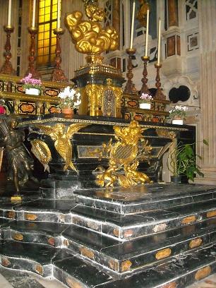La cappella di San Matteo nella Cattedrale di San Siro, uno dei sepolcri della famiglia Imperiali a Genova