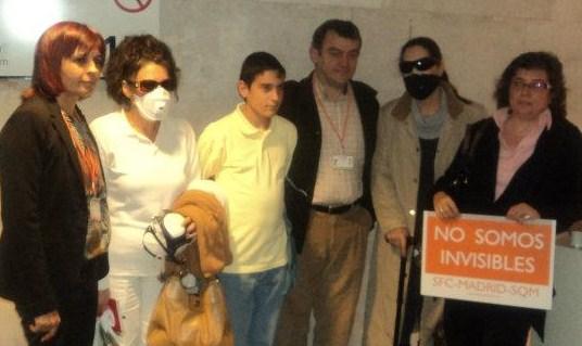 Algunos de los asisentes al acto. De izquierda a derecha: Ángeles Parra, Consuelo Cañada y su hijo, Carlos de Prada, Dori Fernández y María Matallana