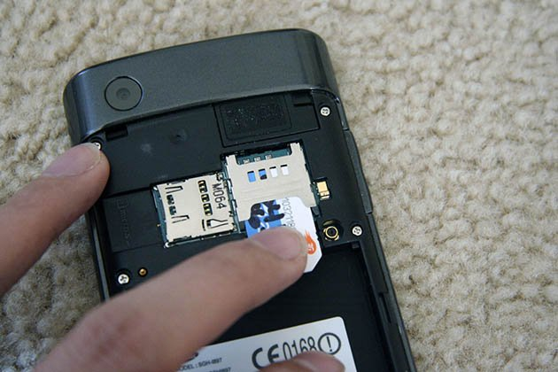 Take out the SD Card to Fix Samsung Black Screen of Death