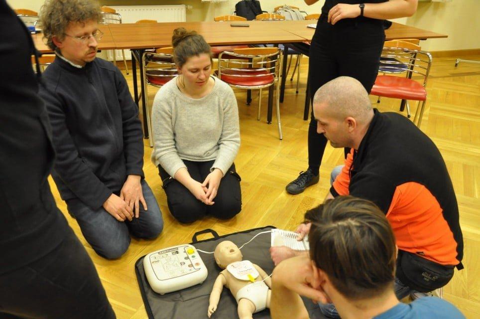 """kurs pierwszej pomocy i obsługi aed - Kurs pierwszej pomocy i obsługi """"AED"""""""