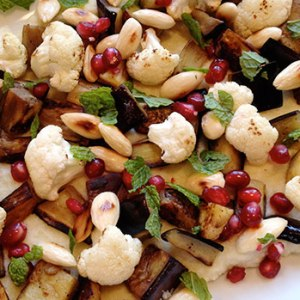 Salad with roasted cauliflower