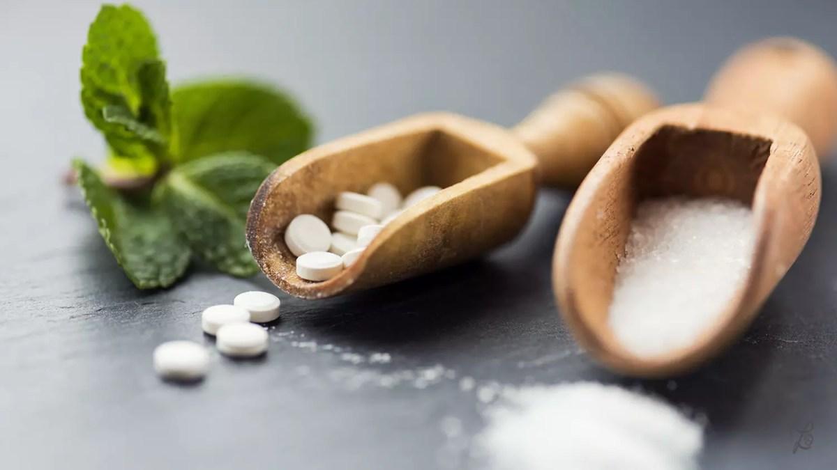 Stevia gibt es unter anderem als gepresste Tabletten oder in Pulverform zu kaufen