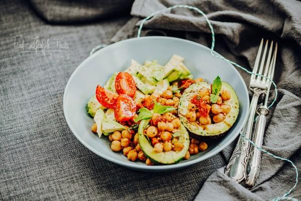 kichererbsen-avocado-salat-rezept_vegan-glutenfrei-rosalazic