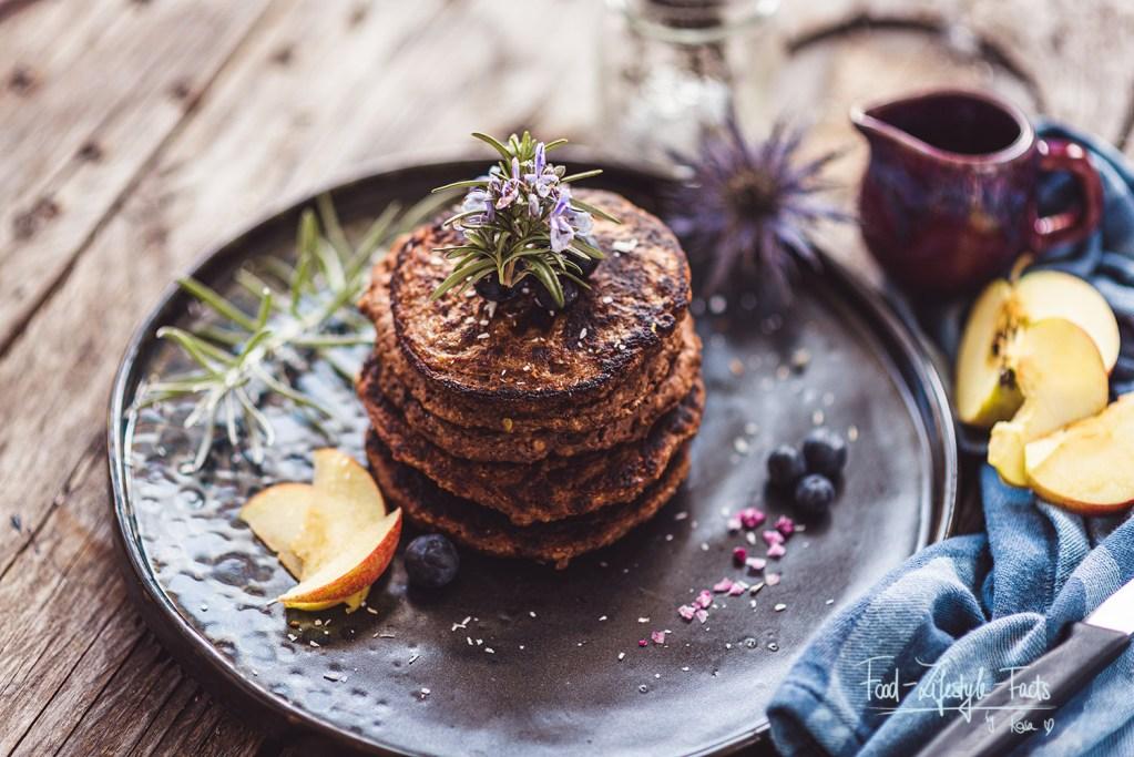 Meine Apfel-Blaubeer-Pancakes – vegan, glutenfrei, einfach und super lecker!