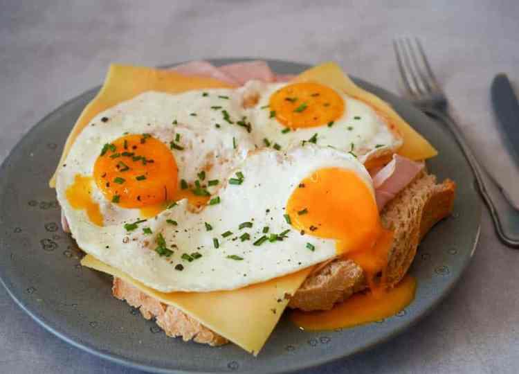 Een simpele uitsmijter | Foodaholic.nl