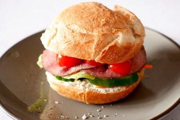 Broodje rosbief uit 'Recepten voor elke dag' | Foodaholic.nl