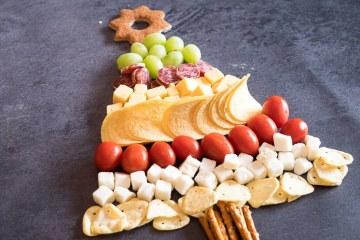 Borrelplank voor de kerst   Foodaholic.nl