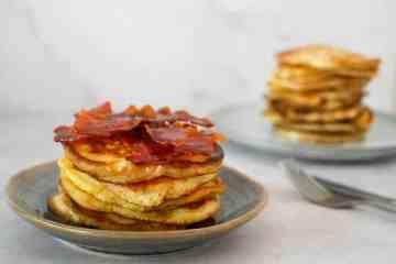 American pancakes met bacon en ahornsiroop | Foodaholic.nl