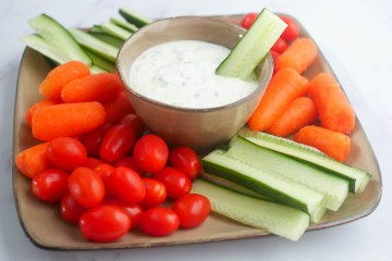 Bieslook knoflook dip | Foodaholic.nl