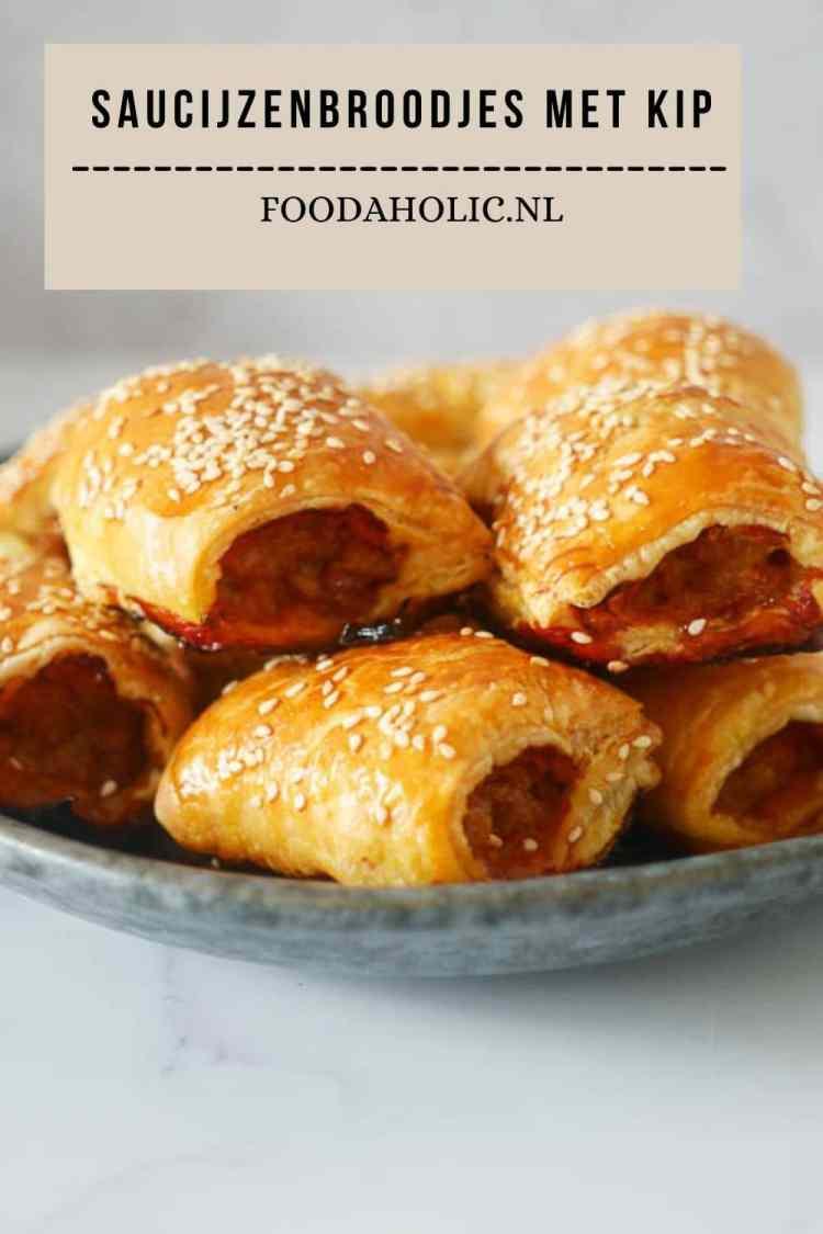 Kleine saucijzenbroodjes van kip | Foodaholic.nl