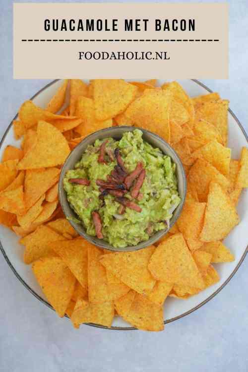 Guacamole met bacon gemaakt met de avocado's van Your Avojoy | Foodaholic.nl