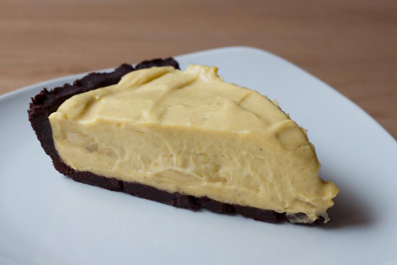 Bananentaart met chocoladebodem