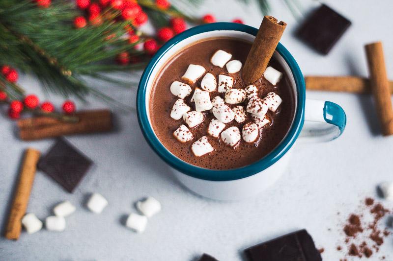 Mexicaanse chocolademelk met mezcal en anchopeper