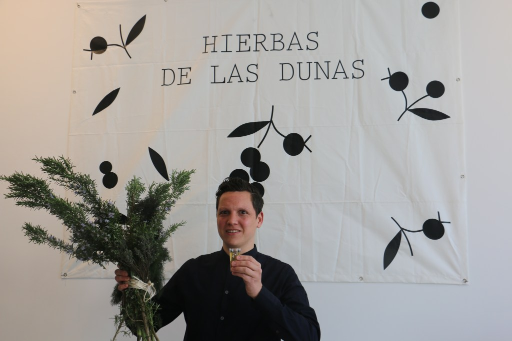 Syrco Bakker launches unique liqueur Hierbas de las Dunas in Belgium and the Netherlands
