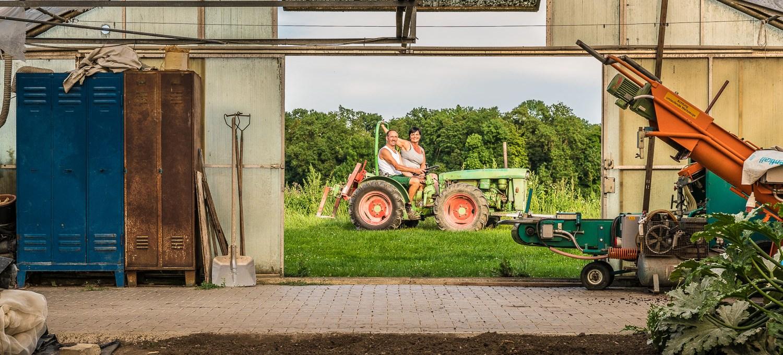 Martina und Manfred Urlaub auf dem Traktor