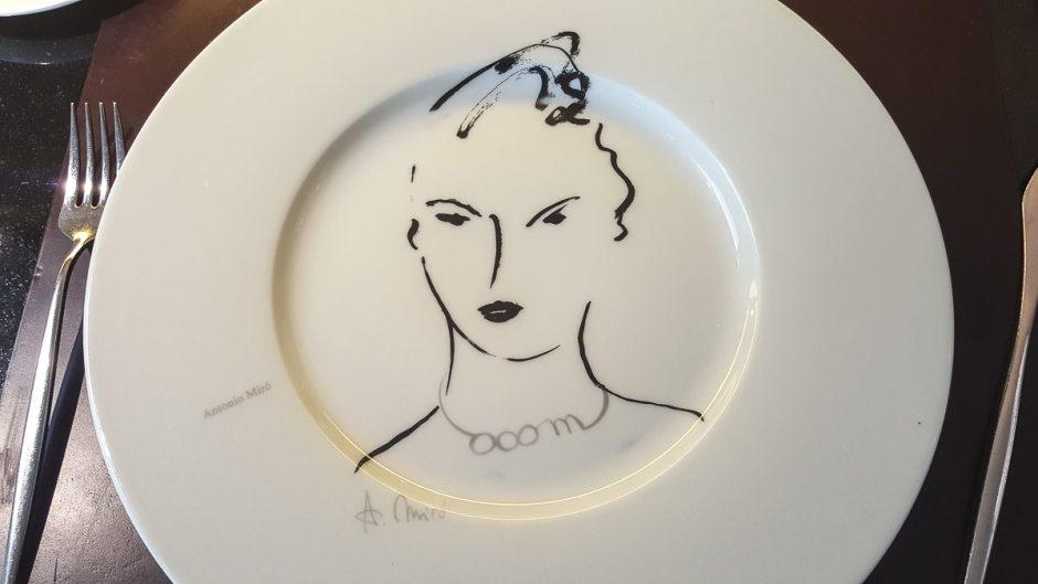 Plate Roca Moo